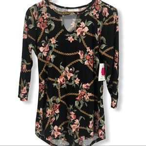 Super Soft Black Floral Chain Tunic Top key hole